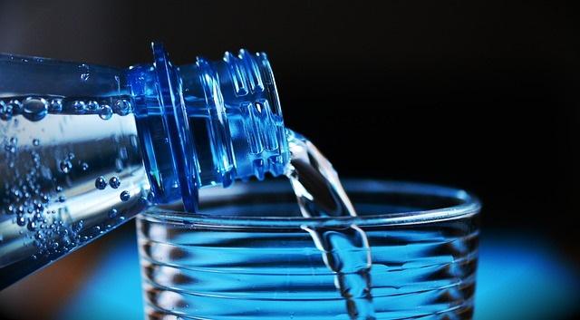 boire de l 39 eau pourquoi est ce si important. Black Bedroom Furniture Sets. Home Design Ideas