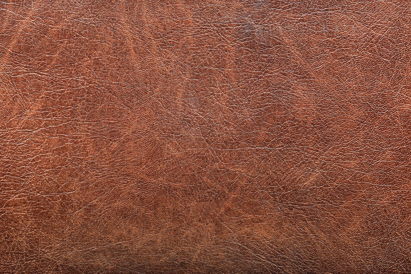 Comment nettoyer une tache sur un canapé en cuir ?